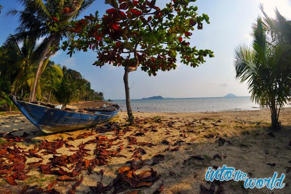 long beach strand thailand boot koh chang
