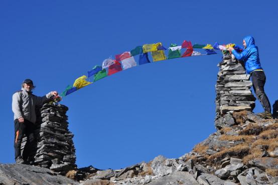 Nepal - 2014 Fahnen wehen
