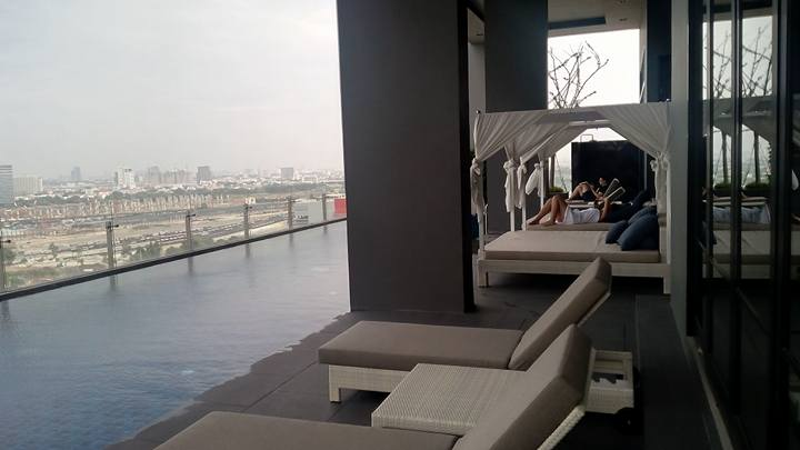 bangkok pool airbnb