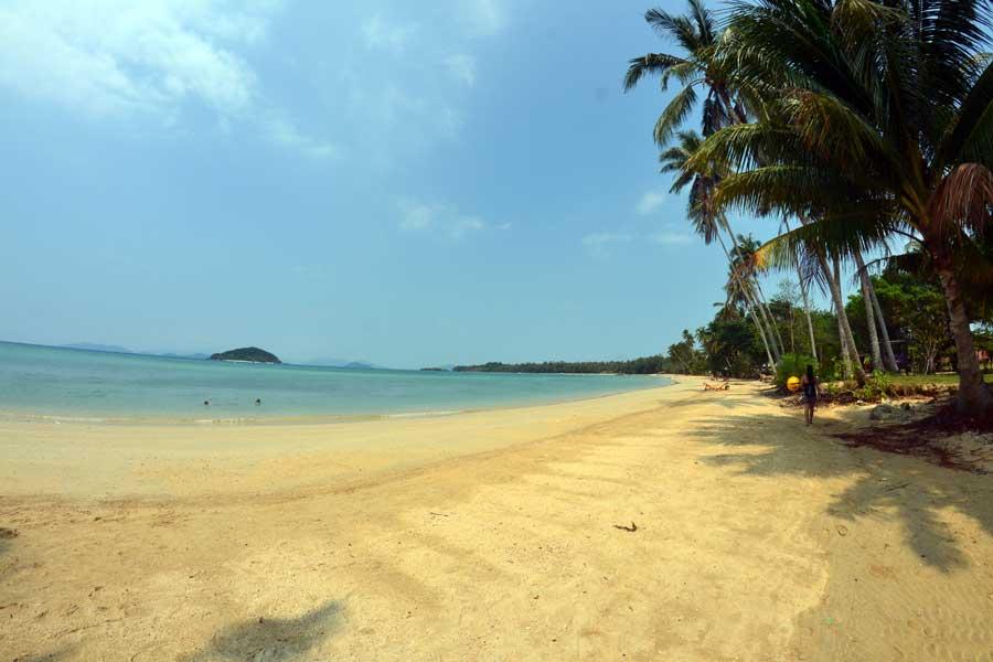 Ao-Soun-Yai-beach-strand-koh-mak-thailand