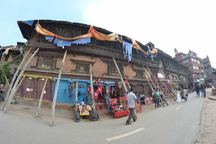 Bhaktapur-tempel-nach-erdbebeben