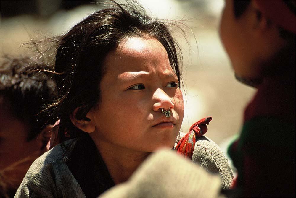 Mädchen-Nasen-ring-alte-fotros-nepal
