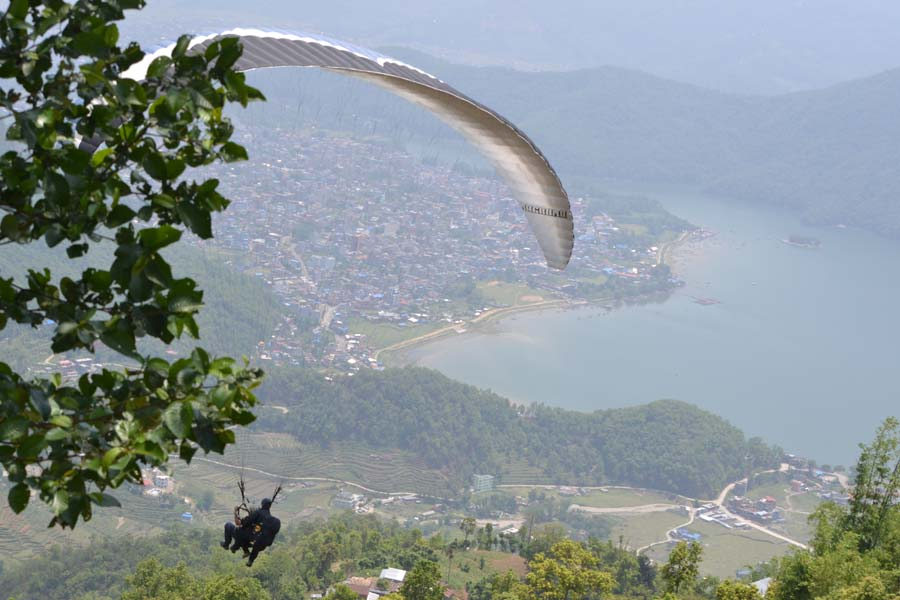Paragliden-von-Sarangkot-start pokhara nepal reisebericht artikel