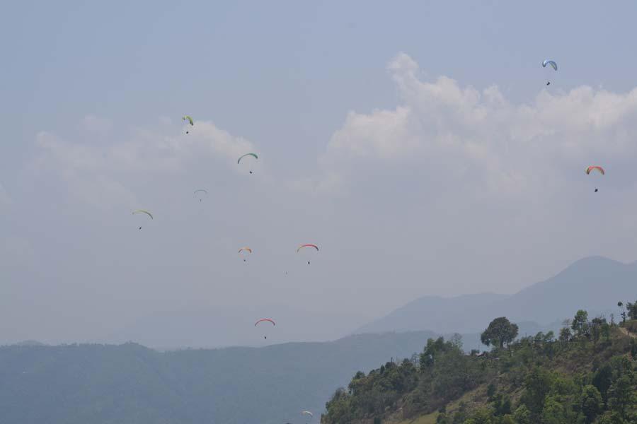 Paragliden-von-Sarangkot pokhara nepal