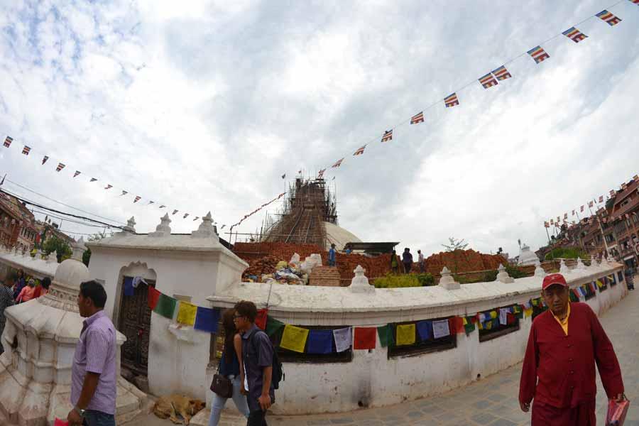 Stupa-Bodnath-nach-erdbeben-nepal