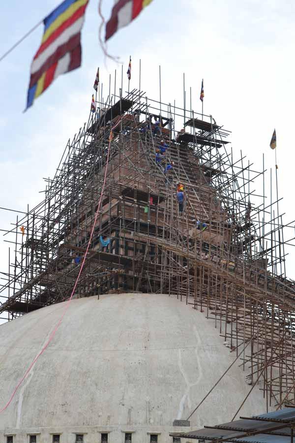 Stupa-Bodnath-nach-erdbeben