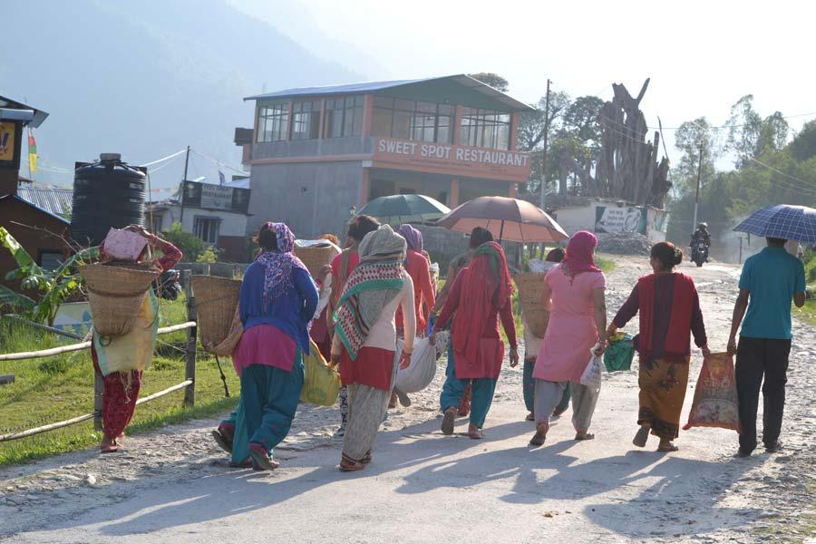 frauen-pokhara
