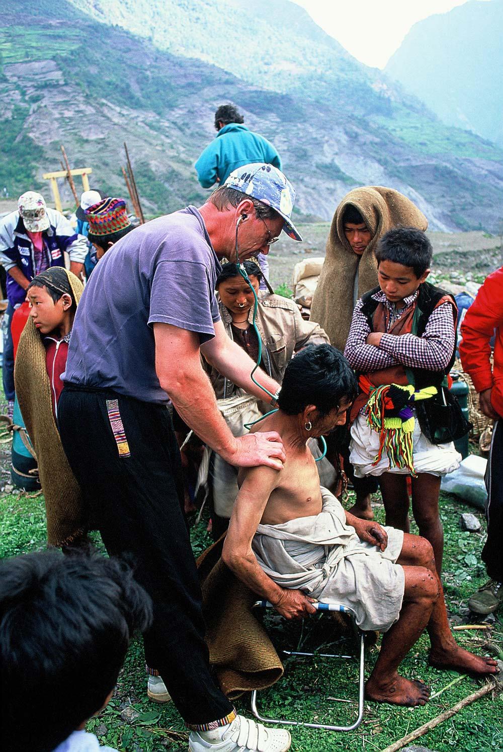 nepal-artzt-kinder