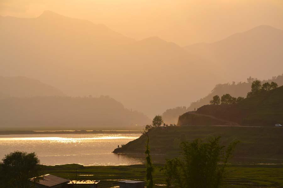 pokhara-landschaft-sonne-felder nepal reise