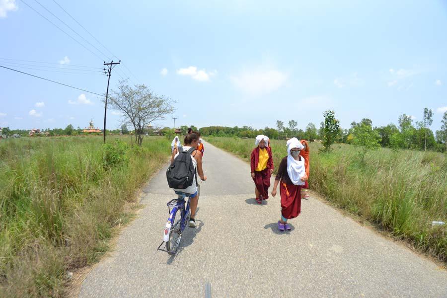 radfahren-lumbini-tempel fahrrad tempel nepal