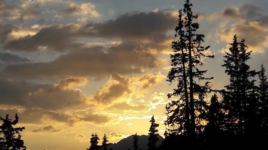 alm-sommer-schweiz-sonnenuntergang