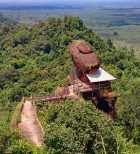 phu-tok-tempel-norden-thailand-isaan-berg