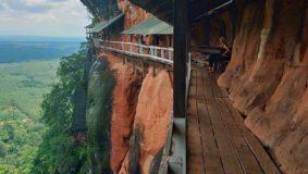 phu-tol-tempel-isaan-thailand-berg-pfad