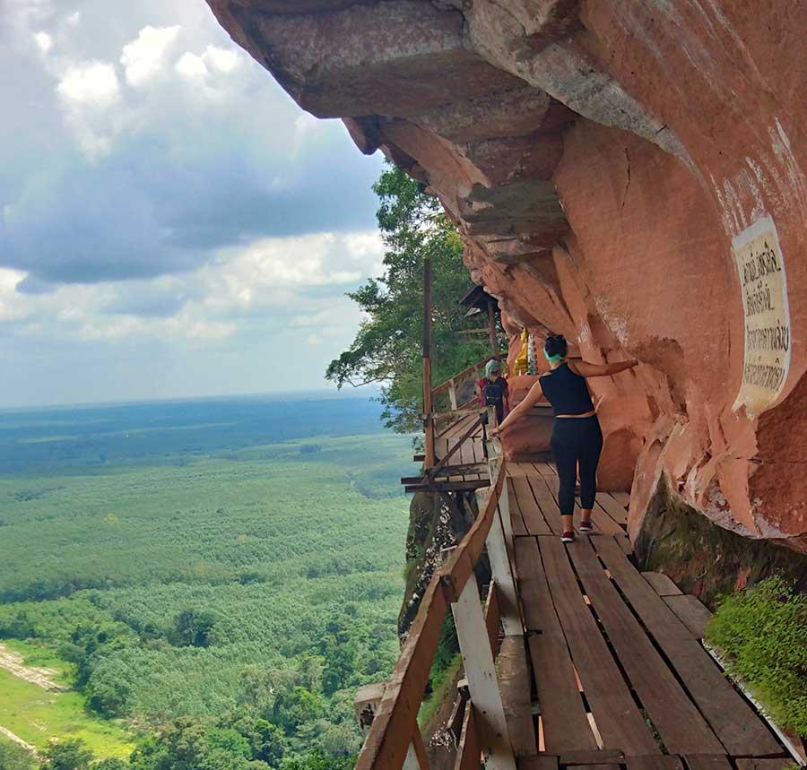 tempel-isaan-phu-tok-thailand-berg