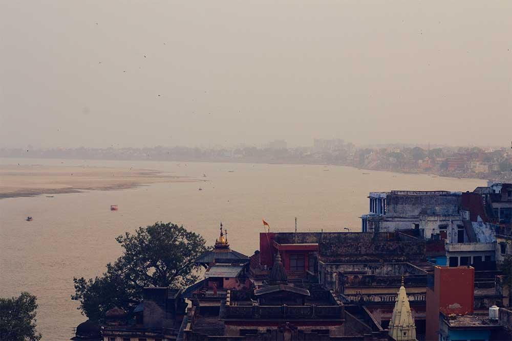varanasi-indien-heilige-stadt-panorama