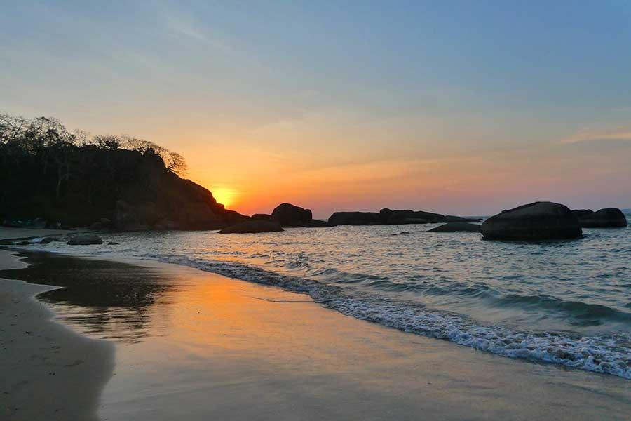 agonda-strand-beach-sonnenuntergang-goa-süden-indien