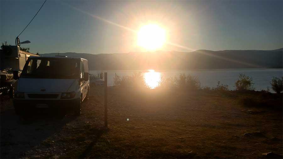 Bilecka-See-bosnien-roadtrip-campervan-blog-bericht-fischer