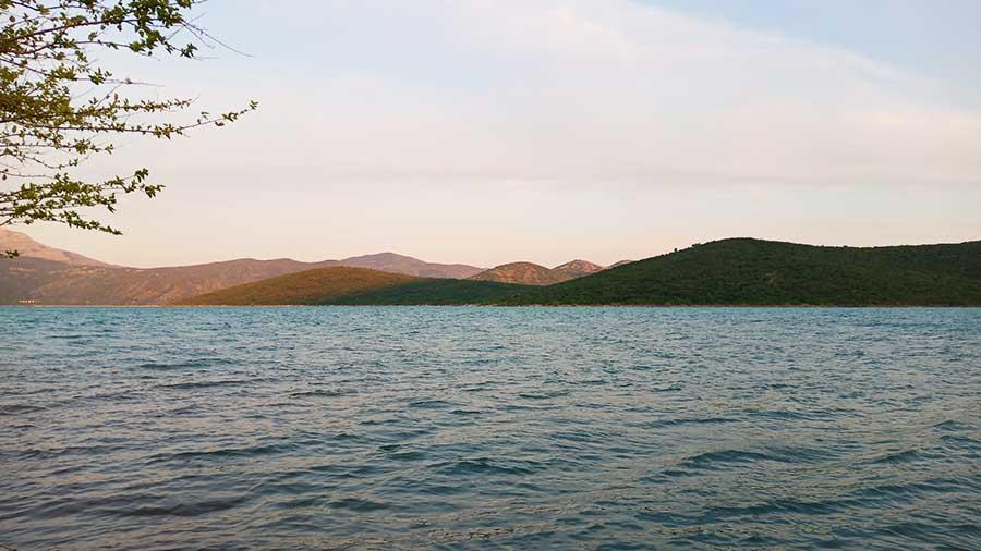 Bilecka-See-bosnien-roadtrip-campervan-blog-bericht